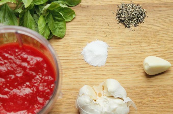 Basic Pizza Sauce • The Greedy Vegan