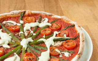 Chestnut Mushroom and Asparagus Pizza