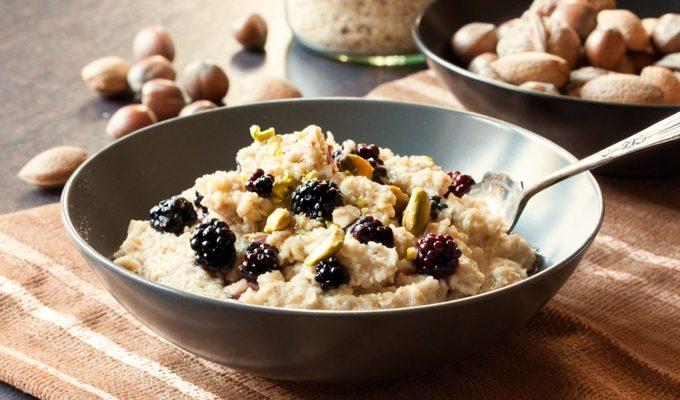 Oat Porridge with Berries & Pistachios