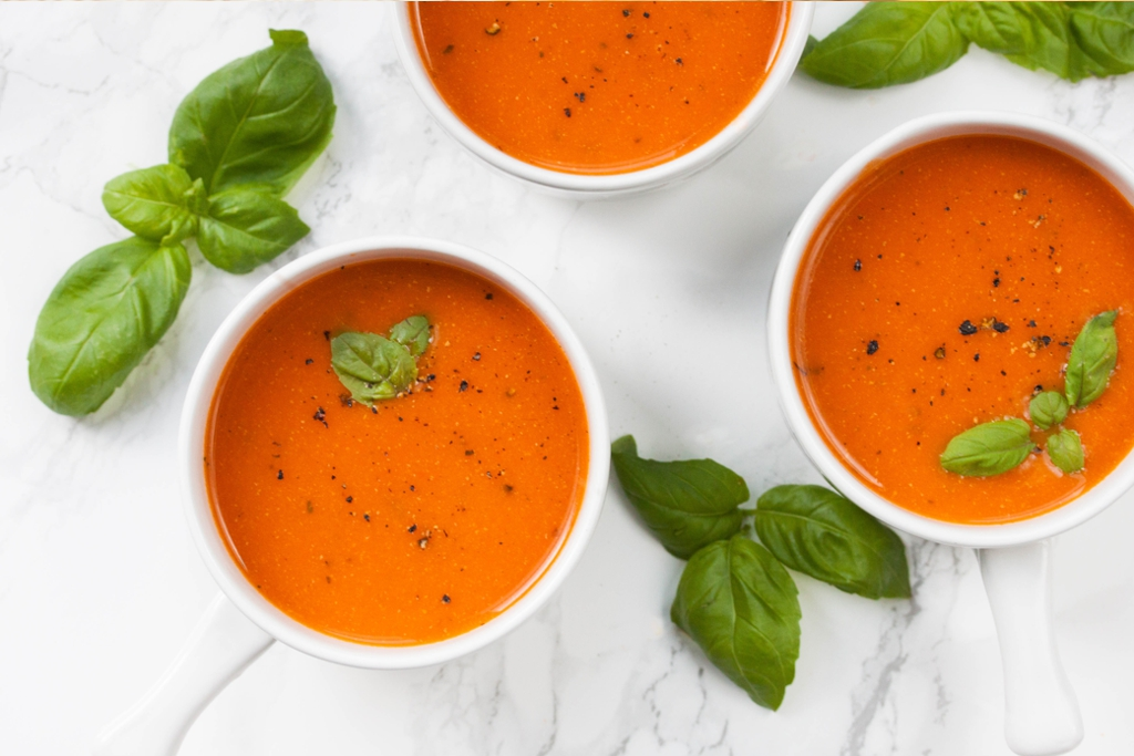 Rich Roasted Tomato Soup with Garlic