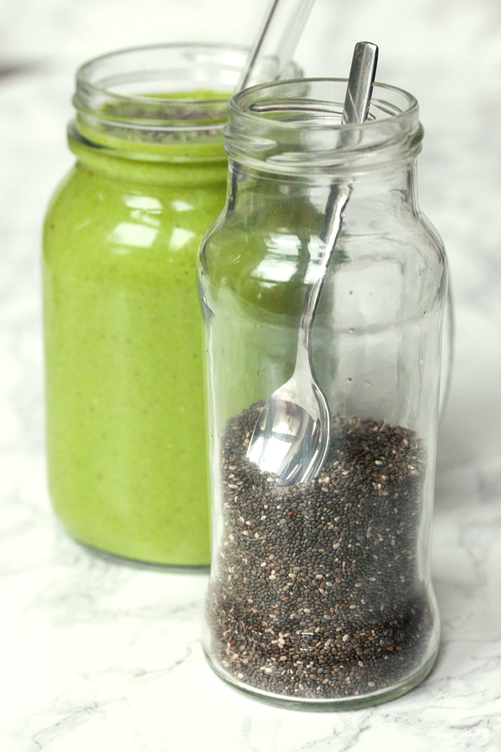 Green Avocado Smoothie with Chia Seeds
