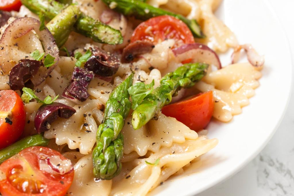 Light Mediterranean Pasta Salad