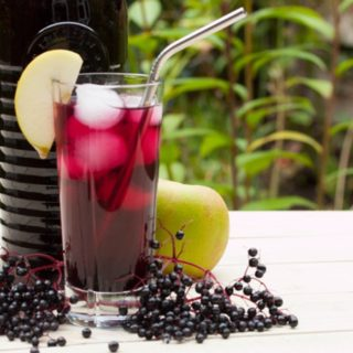 Elderberry Cordial with Apples
